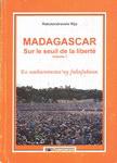 Front Cover: Madagascar sur le Seuil de la Liber...