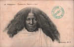 23. Madagascar - Tananarive. Femme en deuil