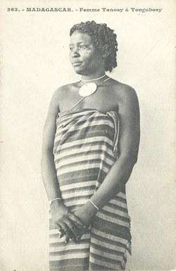 363. Madagascar. Femme Tanosy ? Tongobory