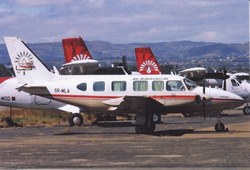 Air Madagascar Piper PA-31 Navajo, 5R-MLA: Ivato International Airport, Antananarivo, Madagascar, May 2007