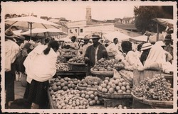 Fruit and vegetable market in Madagascar