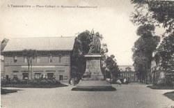 Tananarive - Place Colbert et Monument commémoratif