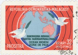 Indian Ocean: Zone of Peace: 32-Ariary (160-Franc) Postage Stamp